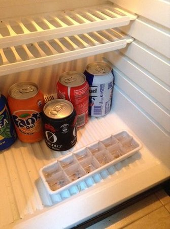La City: mouldy warm fridge