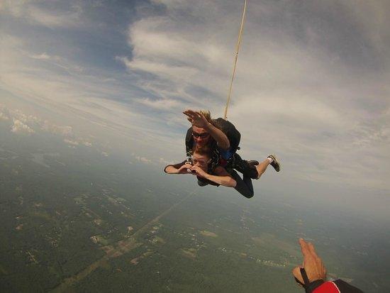 Skydive New England, LLC : :)