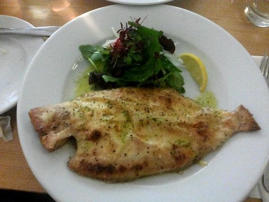 Riddle and Finns The Beach: Fresh catch! At Riddle and Finns by the sea