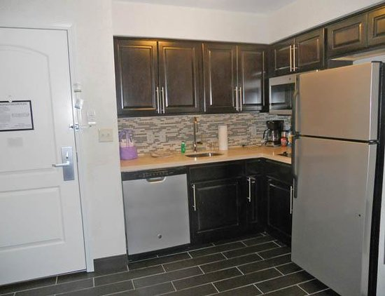 Staybridge Suites Schererville: Fully equipped Kitchen