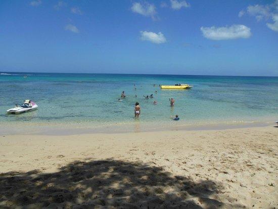 Almond Beach Resort: Heywoods Beach