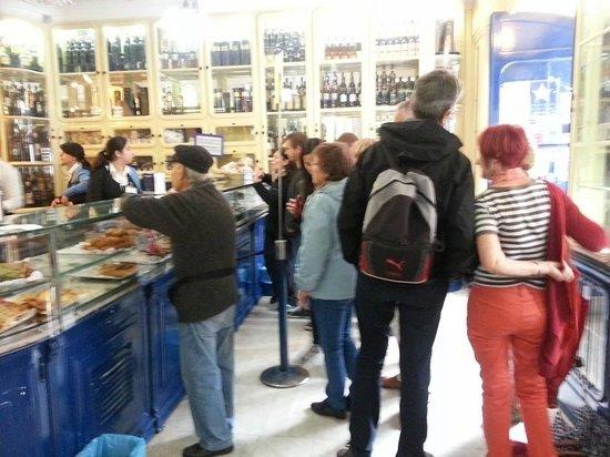 Pasteis de Belem : Front of the shop