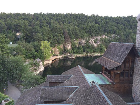 Mohonk Mountain House : View of the lake from balcony