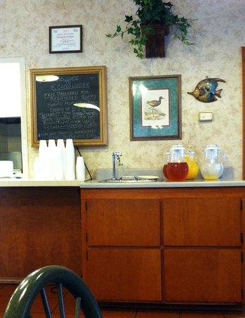 Econo Lodge Inn by the Bay : Breakfast Menu