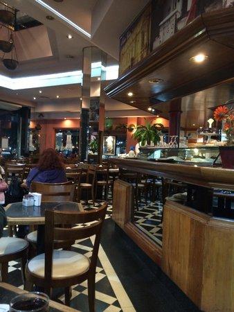 Cafe de la Ciudad : The restaurant