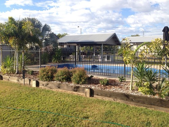 Barcaldine Country Motor Inn: Pool area