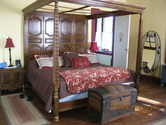 Stoltzfus Bed & Breakfast : Master's Chamber