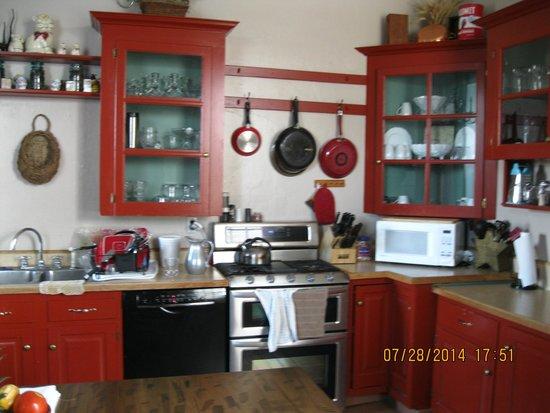 Stoltzfus Bed & Breakfast: Beautiful Kitchen at Stolzfus Bed and Breakfast Inn