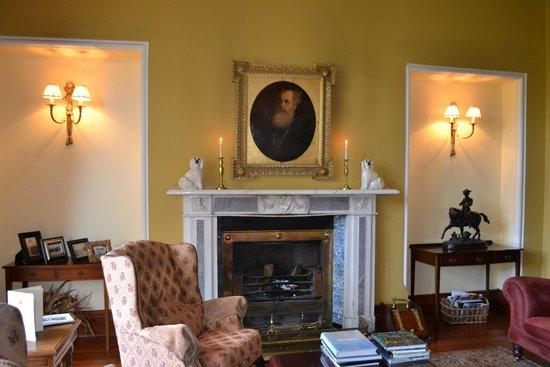 Cahernane House: The parlour