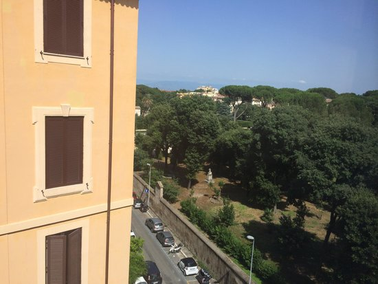 Hotel Albani Roma: View from our room on the sixth floor