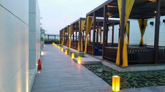 Swissotel Kolkata: Splash bar