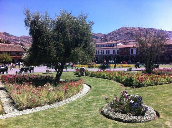 Plaza de Armas (Huacaypata): Jardim - Plaza de Armas