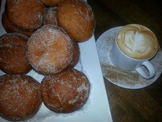 Pain D'Avignon: Beignets and Latte