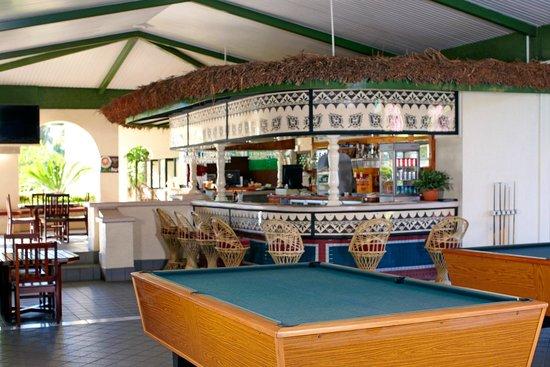 Fiji Gateway Hotel: Bar