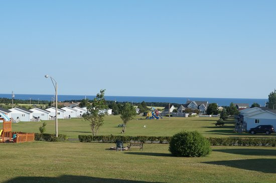 Cavendish Bosom Buddies Cottages and Suites : view of the Northumberland Strait