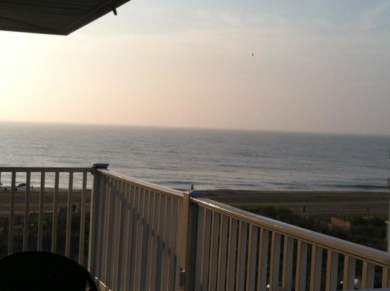 Marylander Hotel Condo: The view from our balcony