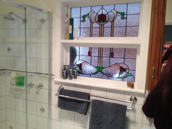 Austin Rise Bed and Breakfast: The bathroom
