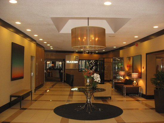 Atlantica Hotel Halifax: Part of main lobby