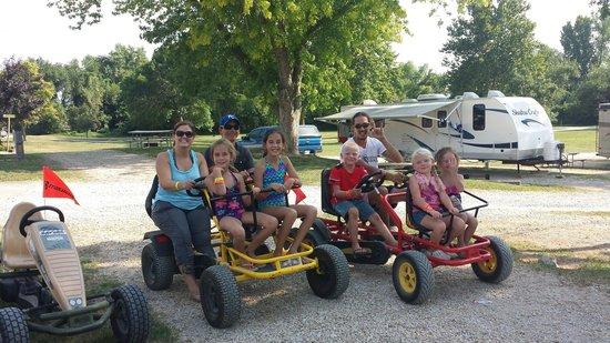 Kansas City Jellystone Park : Peddle carts
