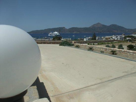 Santa Maria Village: Hermosa vista desde la playa de estacionamiento del Hotel