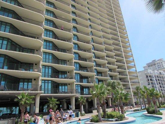 Phoenix West: 28 stories of luxury condos