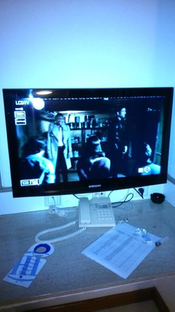 HL Paradise Island : televisor nuevo