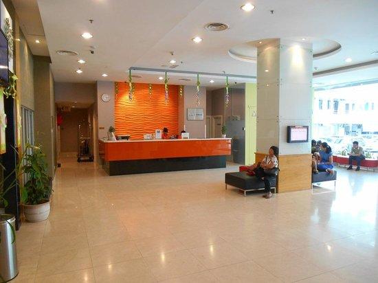 Cititel Express Kota Kinabalu: Hotel Lobby