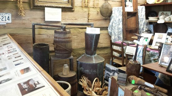 Cades Cove Museum : Moonshine