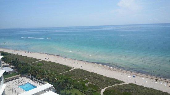 Grand Beach Hotel: vista a la playa