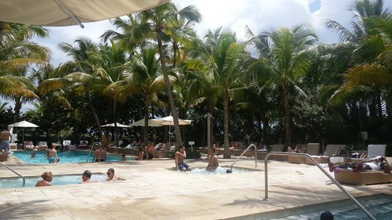 Grand Beach Hotel: 2 piletas, 1 climatizada y 2 jacuzzi. hermoso relax!