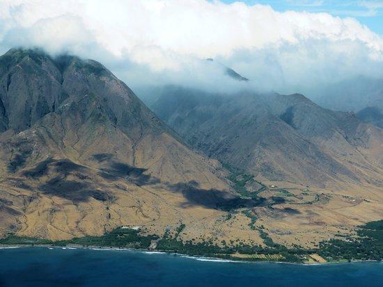 Lahaina Harbor : Maui's Western Coast, Kihei to Lahaina  Alden Cornell Hawaii