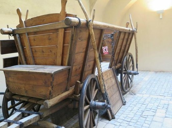 The Hussite Museum: Reconstruction of a Hussite war wagon