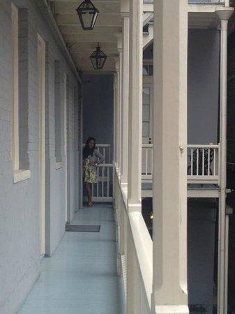 Grenoble House : balcony