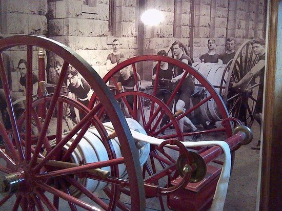 Miramont Castle Museum : The hose that the Fireman had to pull to the fires
