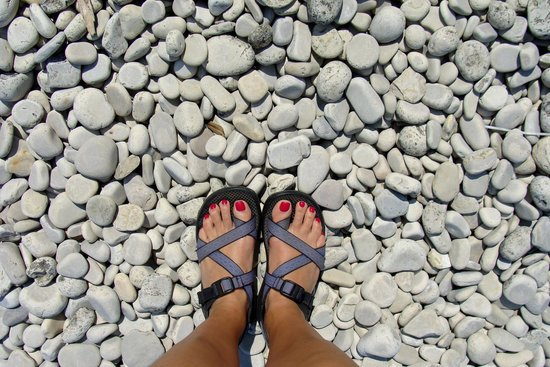 Schoolhouse Beach : The stones are smooth, but hard to walk on without shoes or sandals.