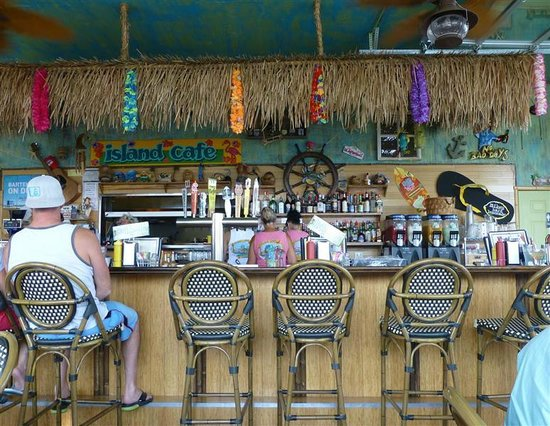 Island Cafe: Bar