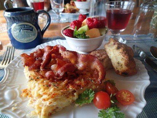 1825 Inn Bed and Breakfast: Breakfast Day 3