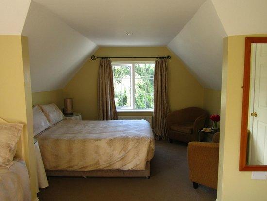 Willowbrook Bed & Breakfast: Waterlily Room