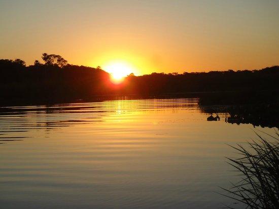 Refugio da Ilha Ecolodge: Coucher de soleil sur la rivière