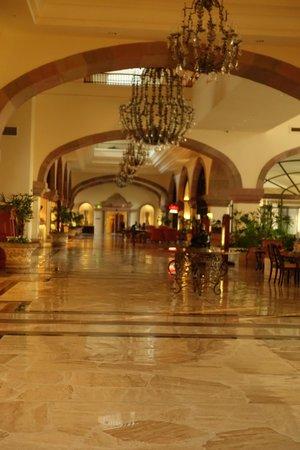 CasaMagna Marriott Cancun Resort: Casa Magna Lobby