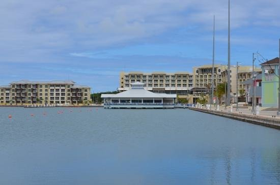 Hotel Meliá Marina Varadero: view of the hotel and apartment block from the marina
