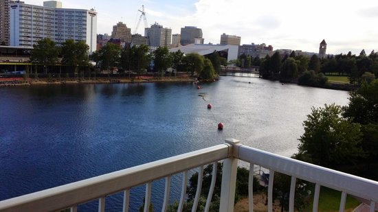 Oxford Suites Downtown Spokane: view from room 528 riverview exec. king suite balcony
