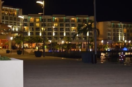 Hotel Meliá Marina Varadero: marina view at night