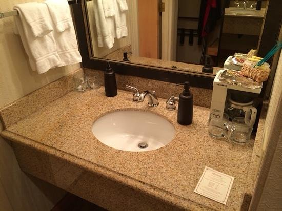 Riverhouse on the Deschutes: Second sink in dressing area.
