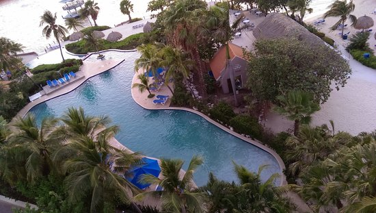 Hilton Curacao: hotel pool from balcony