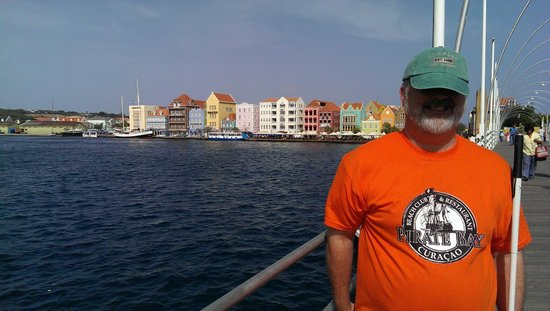 Hilton Curacao: view from Queens bridge