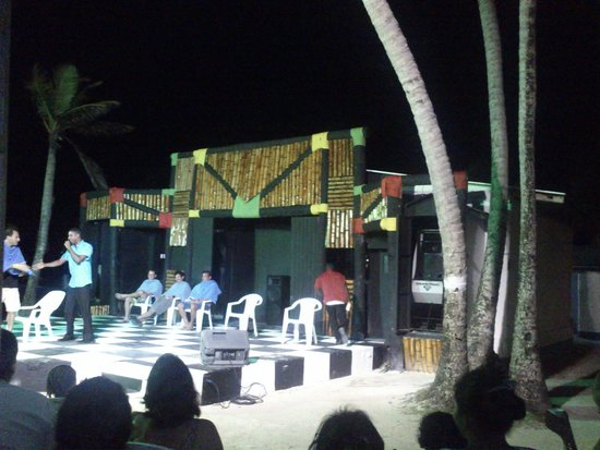 Decameron Marazul: Show na praia