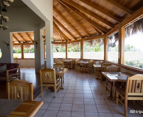 Blue Mahoe Restaurant at The Spa Retreat Boutique Hotel