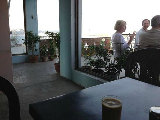 Rahul Guest House: Roof Top Small Cafe......