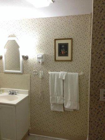 Beacon Inn 1750: Bathroom
